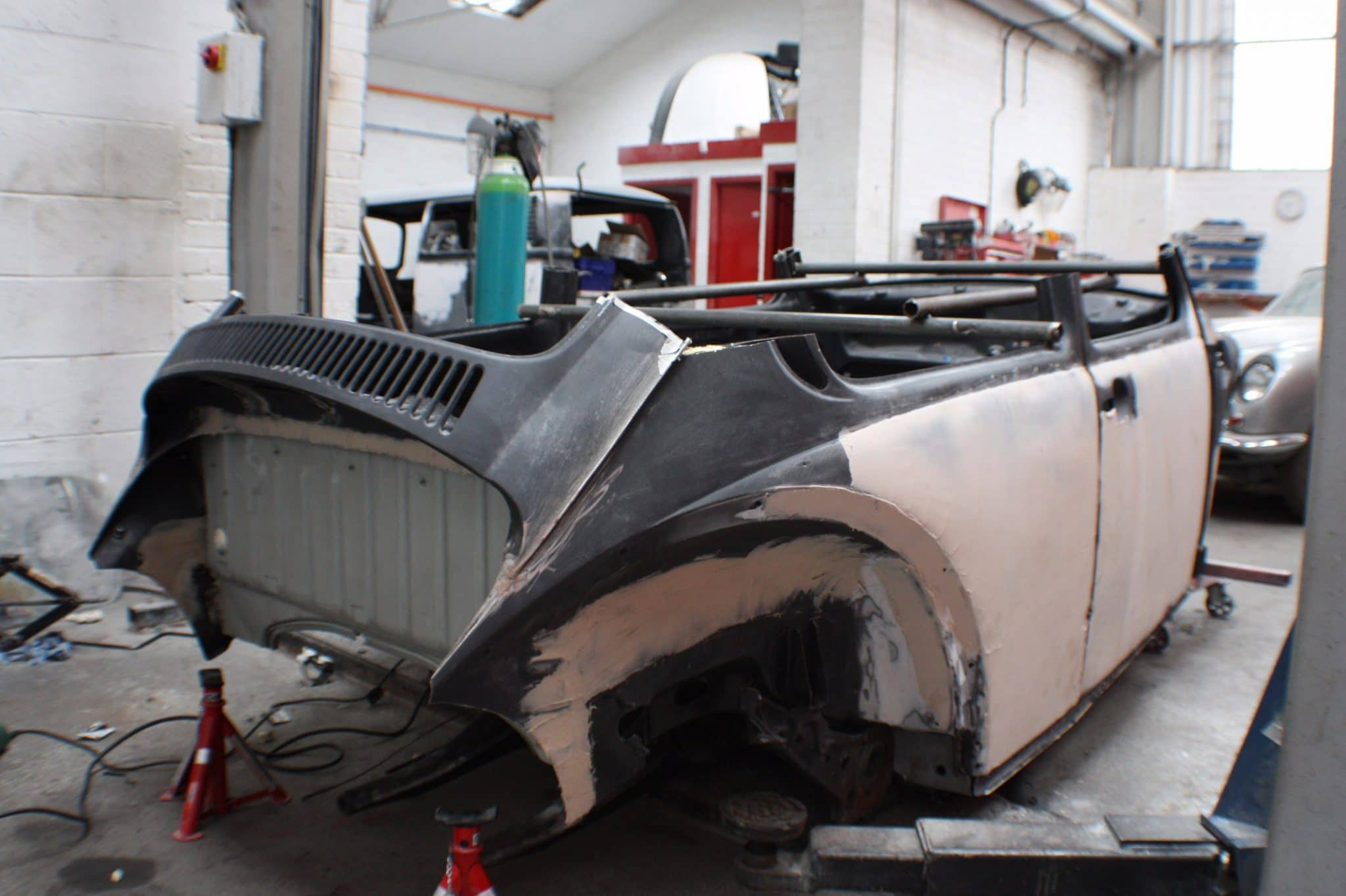 Baja Beetle stripped down - no roof