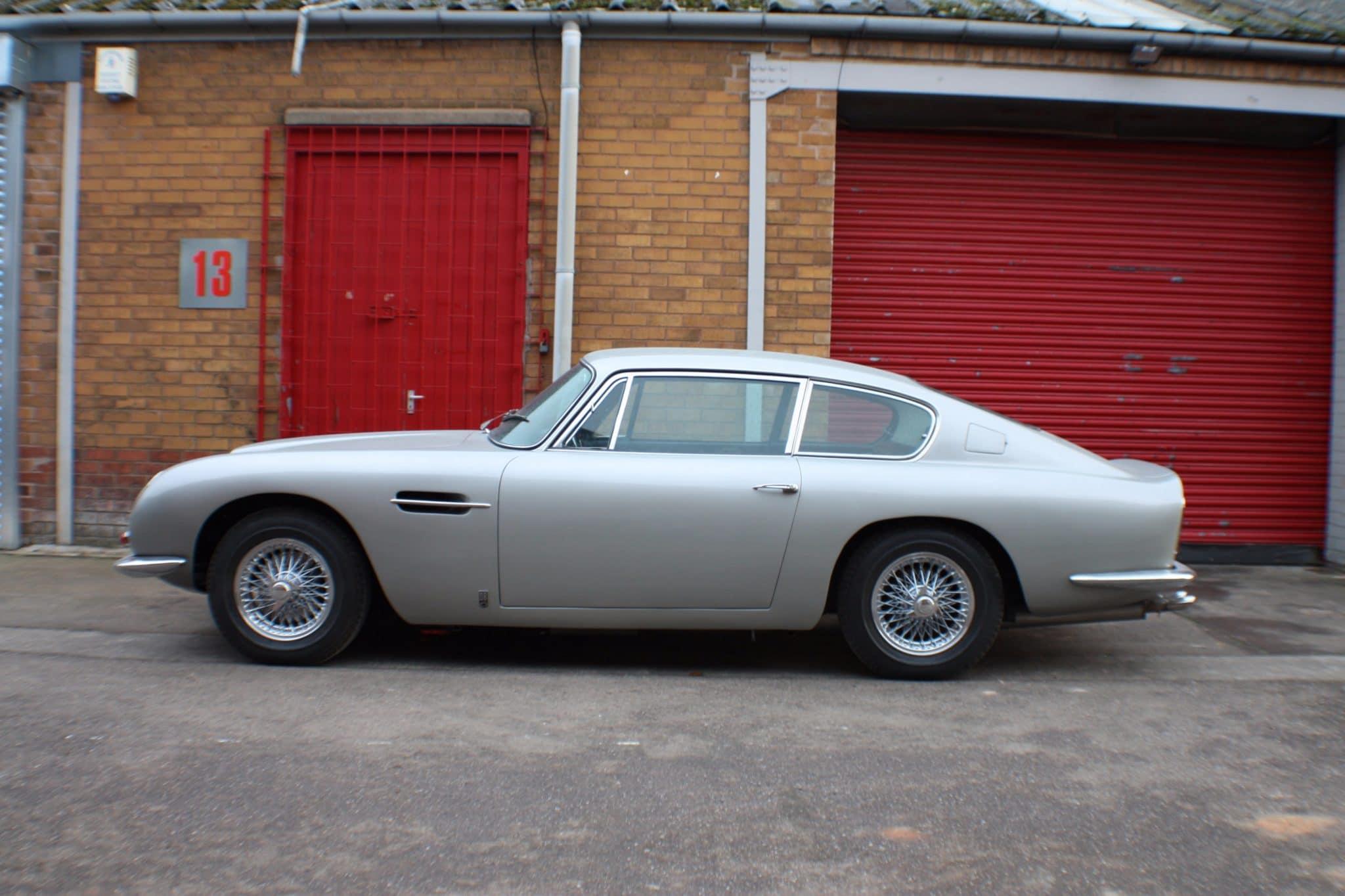 Aston Martin DB6 side view