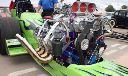 engine exposed dragster