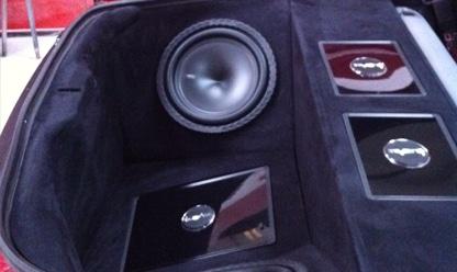 Mitsubishi Boot with speaker