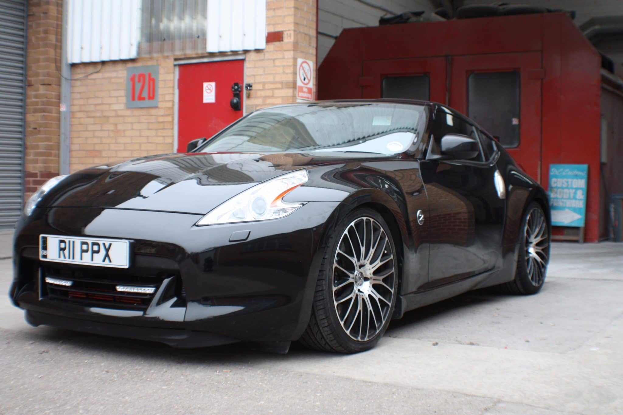 Nissan pps black front view
